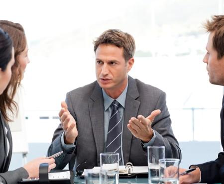 Wywieranie wpływu tempem mówienia